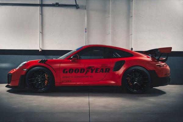 Goodyear_Porsche911GT2RS-GT3RS-600.jpg